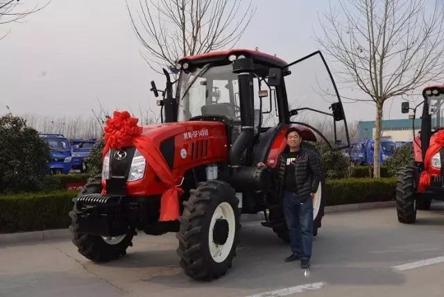 时风手扶拖拉机_时风集团举行时风1404拖拉机用户集中提车仪式