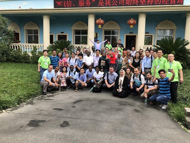9个国家、40多名外宾朋友走进四川中农润泽